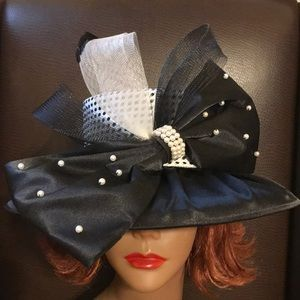Susanna Bow Hat With Pearls